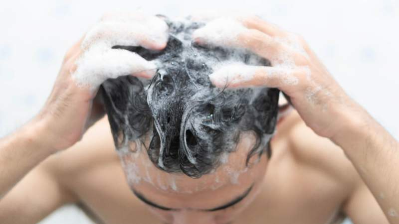 6 Popular Shampoos for Treating Hair Loss in Men